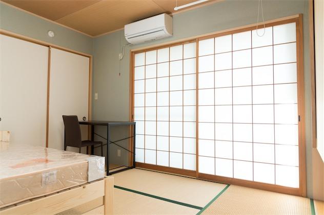 room6:9.9m²+ クローゼット(2.5m²)